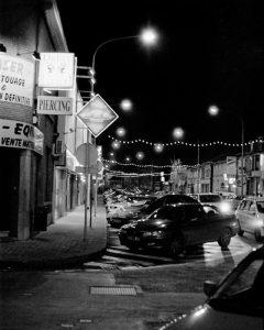 Photographier la nuit sans flash ni trépied, c'est possible…